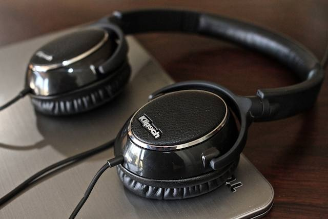 klipsch headphones. while klipsch headphones
