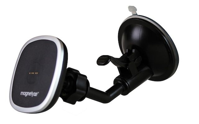 magnetyze-car-charger-1