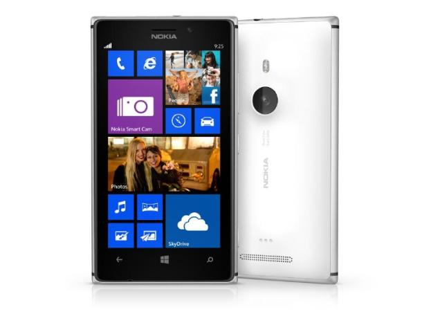 nokia-lumia-925-press_610x457