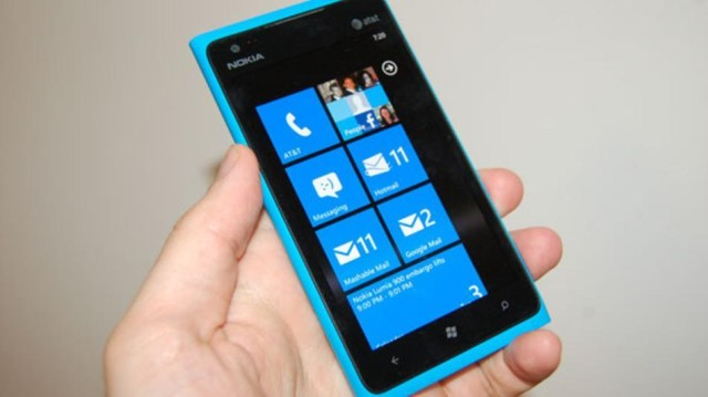 nokia-lumia-900-windows-phone