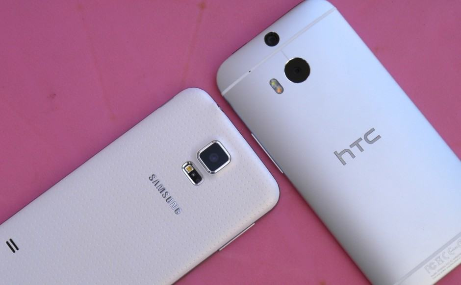 Galaxy-S5-vs-HTC-One-4