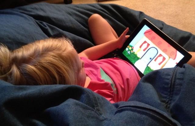 child-on-ipad-640x414