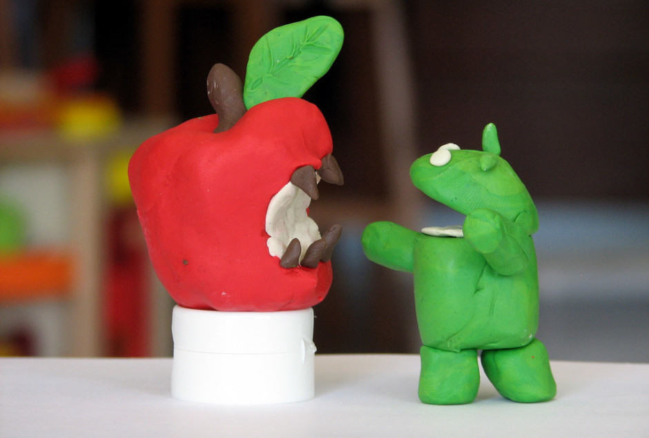 apple-android-battle