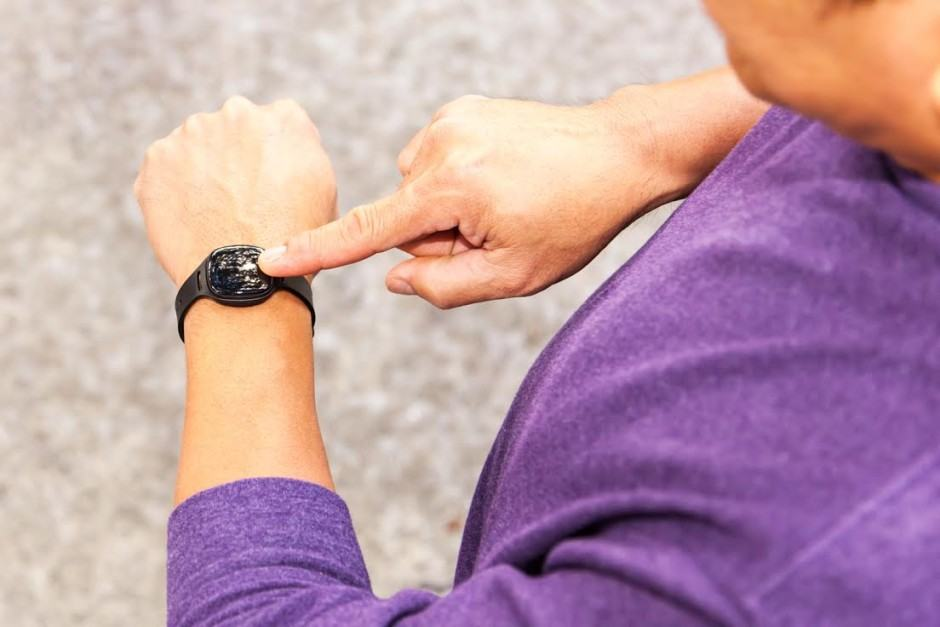 Nuyu's fitness tracker can be worn on your wrist, belt, laces, and more. Photo: Health o Meter