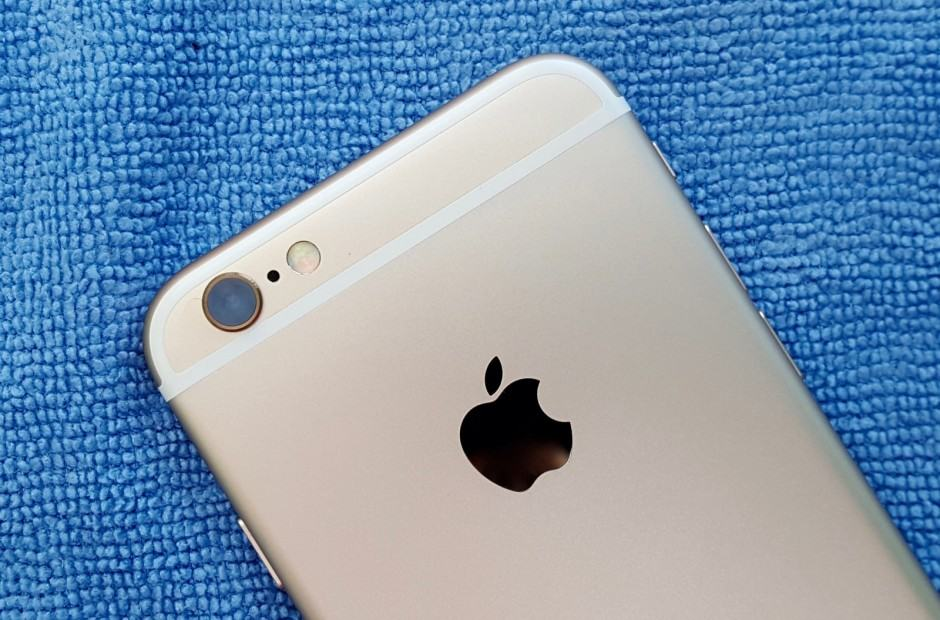Android users seems to love iPhone 6s. Photo: Killian Bell/Cult of Android