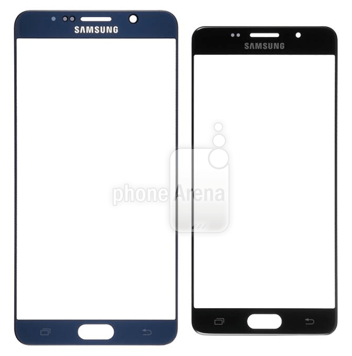 A leaked Galaxy S7 display panel (right) alongside a Galaxy Note 5 panel. Photo: PhoneArena
